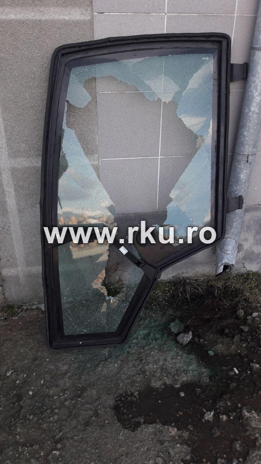 geam usa stanga incarcator Schaffer 930T