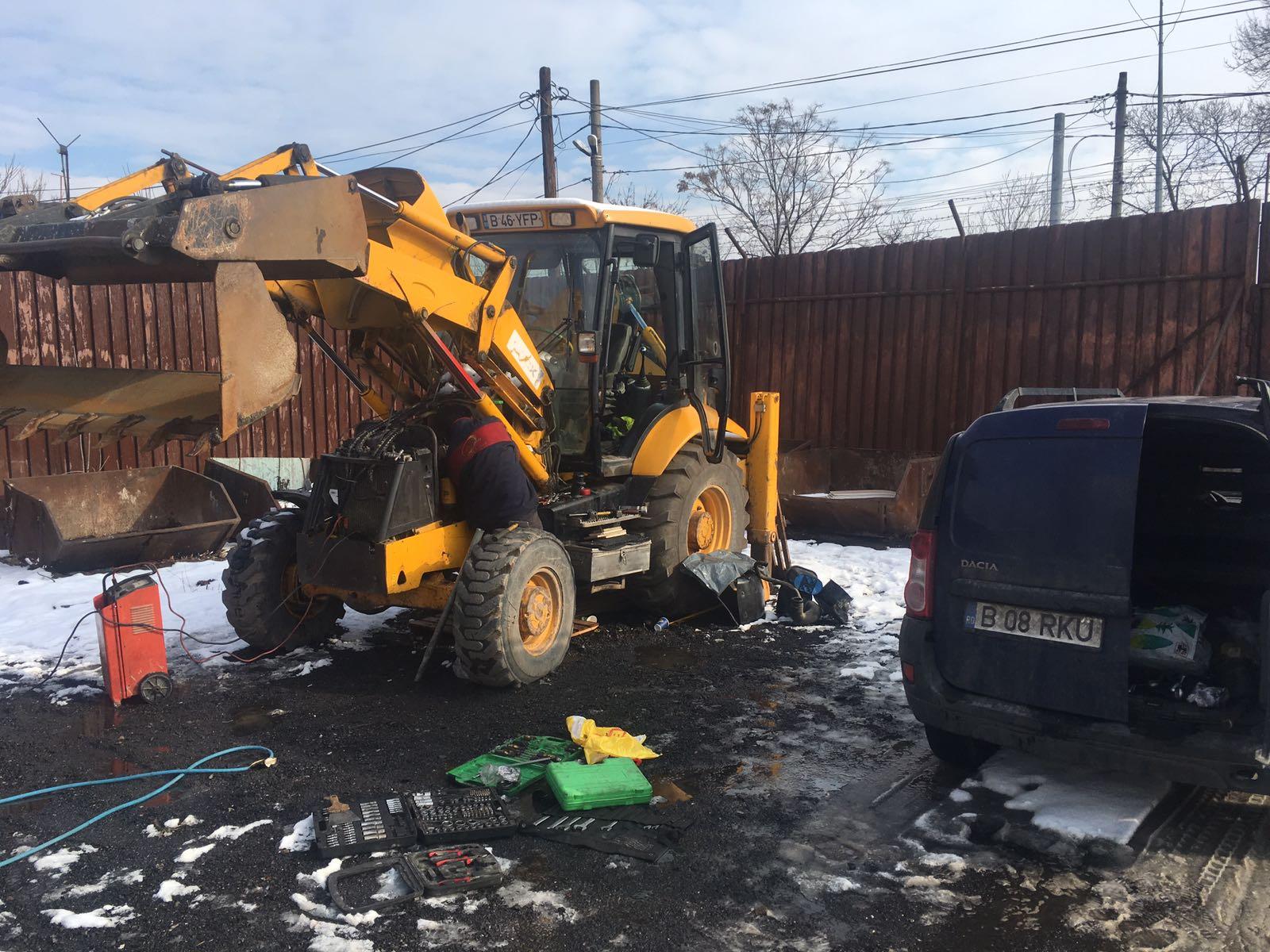 reparatie buldoexcavator JCB 3cx pompa injectie