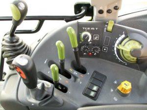 panou de comanda de tractor
