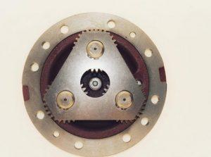 Portsateliti Komatsu WB150 (buldoexcavator)
